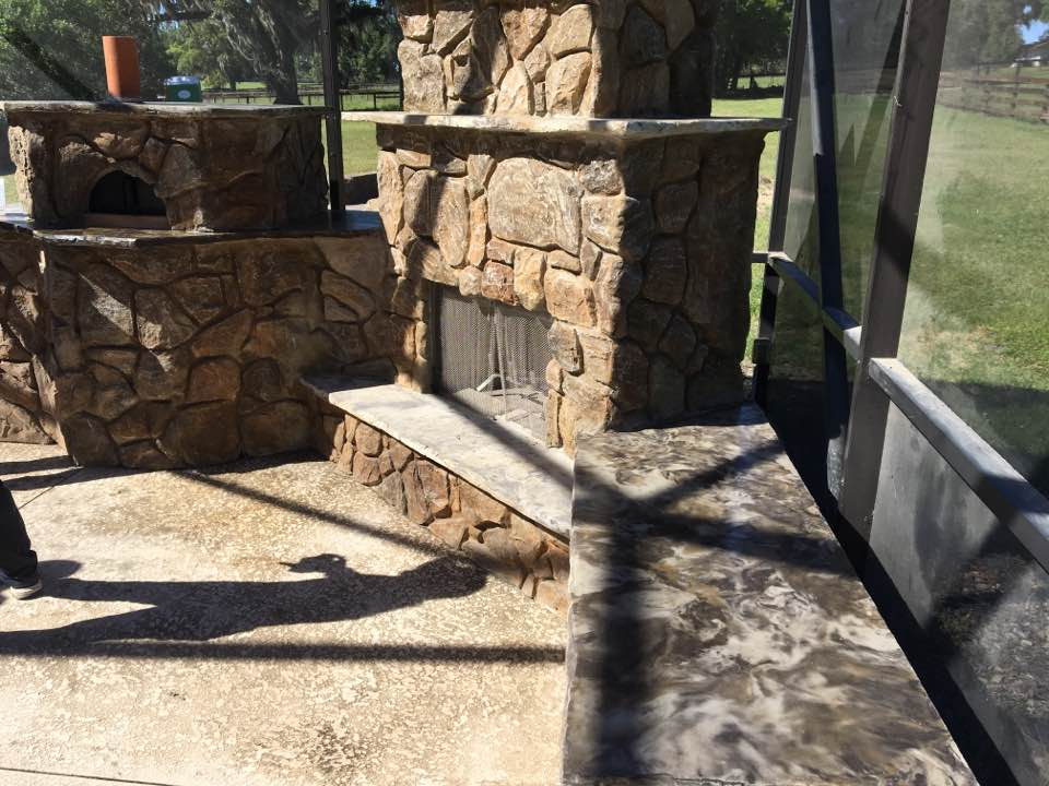 Fireplace with pizza oven