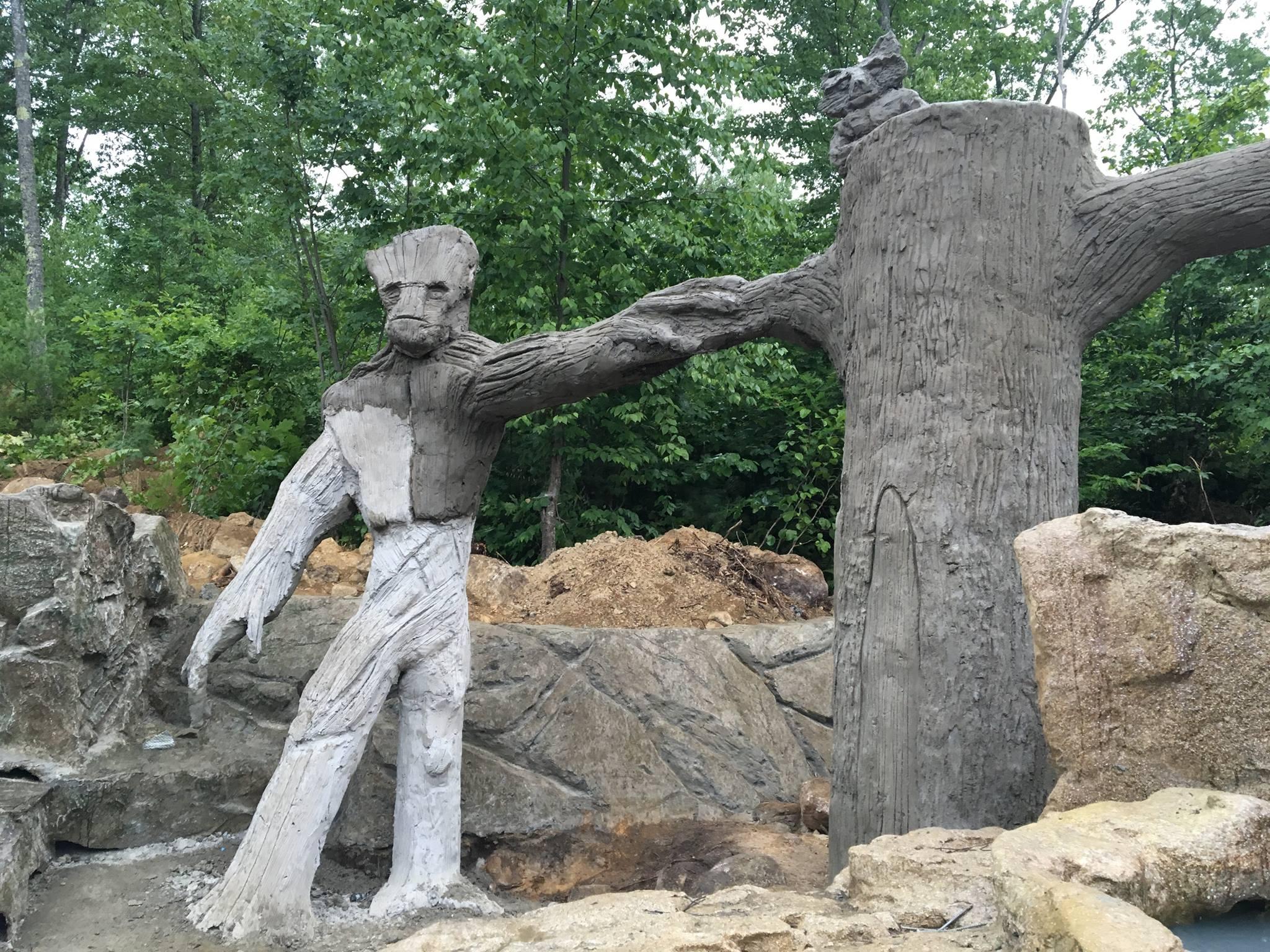 Treetrunk with Groot & Rocket Racoon
